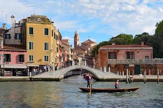 Venezia / Ponte della Croce / Chiesa di San Nicola da Tolentino /  Canal Grande