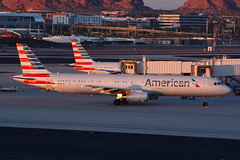 N921US Airbus A321-211 KPHX 20-09-15 (MarkP51) Tags: n921us airbus a321231 a321 americanairlines aa aal sunset phoenix skyharbor airport phx kphx arizona usa aviation aircraft airliner airplane plane image markp51 nikon d7100 aviationphotography