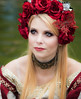 Roses in her hair (mare photo) Tags: people portrait porträt woman marephoto rosesinherhair hereyes ihreaugen