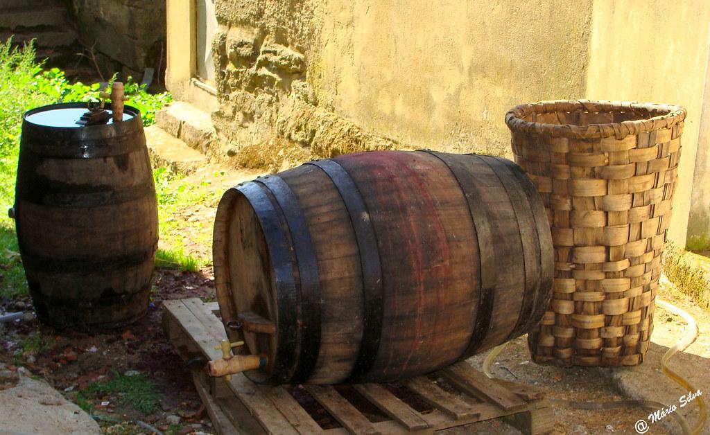Águas Frias (Chaves) - ... até lavar dos cestos é vidimas ...