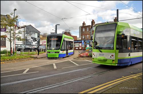 03.10.17 Croydon Trams..2557 R4 Elmers End....2537 R4 Wimbledon