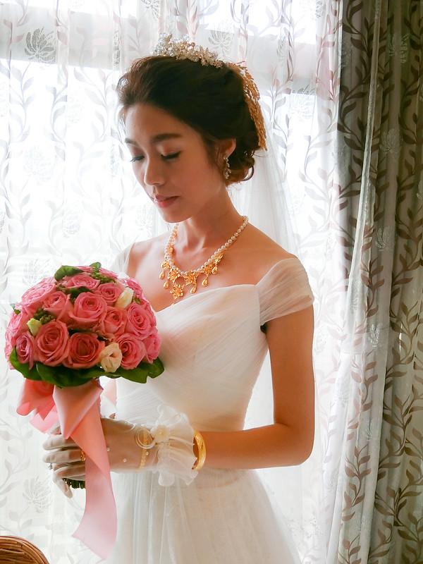 嘉義新秘,新秘,新娘秘書,韓風典雅造型,花苞時尚造型,船老大囍宴餐廳