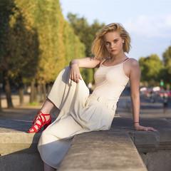 Manon (liofoto) Tags: canon eos6d colors couleurs girl beauty beautifulgirl beautiful naturallight bokeh