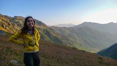 Monika zmęczona. ale zadowolona. W końcu jesteśmy w obozie Marjanishvili na 2700m (Tomasz Bobrowski) Tags: wspinanie mountains gruzja kaukaz góry marjanishvili zeskhobasecamp caucasus georgia climbing