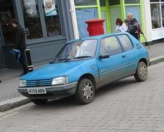 1995 Peugeot 205 Inca diesel (occama) Tags: n759nbb 1995 peugeot 205 inca diesel blue old car cornwall uk french muddy 759 bangernomics