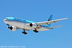 HL7715 (renanfrancisco) Tags: koreanair ke kal hl7715 boeing boeing777 boeing777200 777 777200 772 landing pouso gru sbgr gruairport guarulhosairport aeroporto airport airlines aeropuerto spotting skyteam