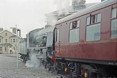 Overlord+50 : 777 + train arriving at So'ton E Docks, 4 June 1994 (Ian D Nolan) Tags: railway railtour dday om40 southamptondocks 777 n15 sirlamiel 460z