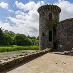 Caerlaverock Castle architecture thumbnail