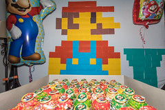 Cupcakes (Jemlnlx) Tags: canon eos 5d mark iv 4 5div 5d4 birthday party decor decorations super mario brothers nintendo wall art postit post it retro nes entertainment system presents gifts balloon balloons happy cupcakes cake cupcake luigi