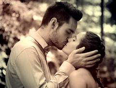 El beso (alanchanflor) Tags: canon beso pareja amantes amor jovenes