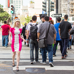 Gwen Stacy Crosses the Street (Thomas Hawk) Tags: california comiccon comicconsiliconvalley conventioncenter cosplay costumeplay gwenstacy svcc svcc2016 sanjose sanjoseconventioncenter siliconvalleycomiccon fav10 fav25 fav50