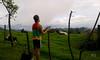 Alfredo Linares en el mirador sobre Rancho Redondo, julio del 2016/ My friend, Alfredo, overlooking Rancho Redondo, July 2016 (vantcj1) Tags: nubes persona caminata mirador hombre valle naturaleza vacas animales montaña paisaje cercado vegetación bulto
