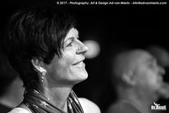 2017 Bosuil-Het publiek bij Sass Jordan en Layla Zoe 33-ZW