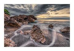 retornant (Josep M.Toset) Tags: aigua baixcamp catalunya d800 josepmtoset mar marina matinada mediterrani núvols nikon nubes paisatges pedres roca roques sortida·de·sol nikon140240mmf28 lucroit hitech