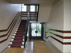 Immeuble de rapport (hall modifié en 1928-1929 par Mallet-Stevens) - 7 rue Méchain, Paris XIVe (Yvette G.) Tags: jeanprouvé paris paris14 75 îledefrance architecture immeuble malletstevens années20