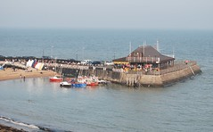 The pier at Viking Bay Broadstairs (philbarnes4) Tags: broadstairs thanet kent england philbarnes dslr view harbour pier nikond80