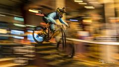City Downhill Nijmegen 2017 (John Beckmann) Tags: mountainbike race bike jumps movement action focus jumping nijmegen lindenberg jeeo dirtbike bicycle benedenstad