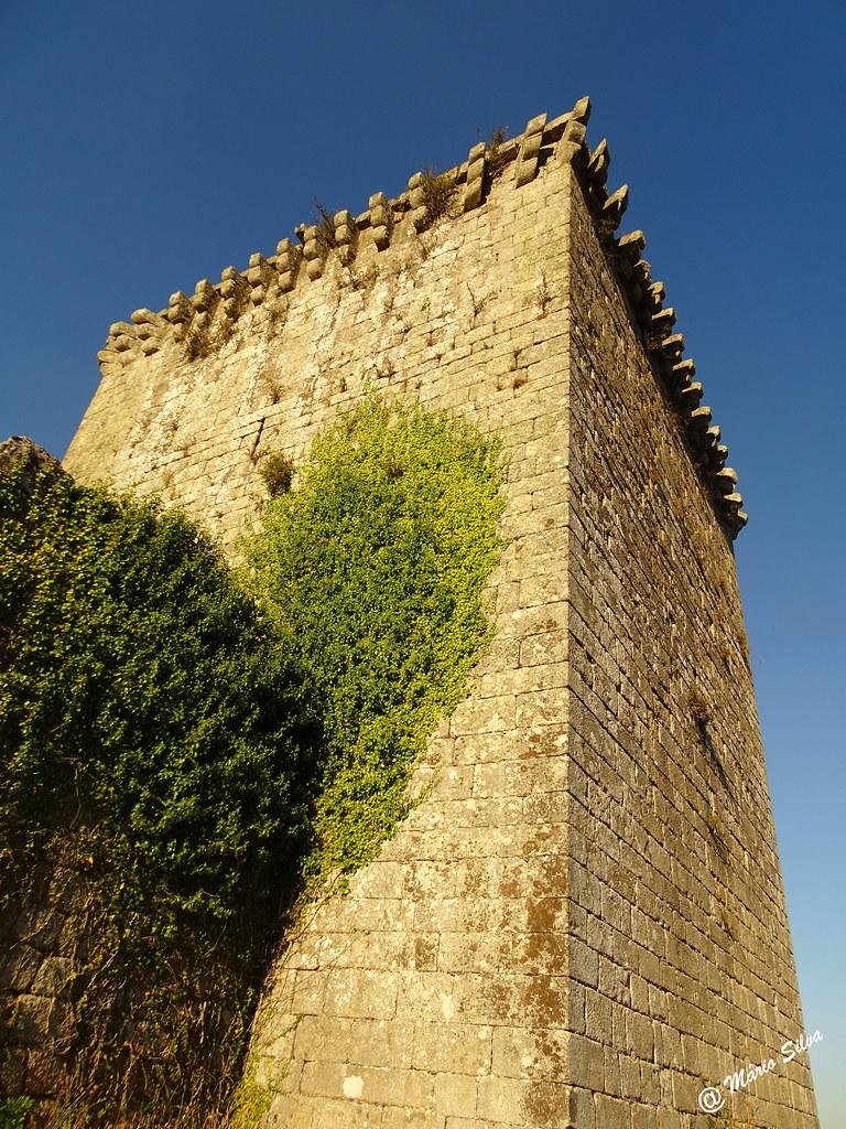 Águas Frias (Chaves) - ... torre de menagem do castelo de Monforte de Rio Livre ...
