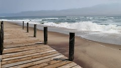 Steg am Meer (marionkaminski) Tags: namibia afrika africa swakopmund meer atlantik strand plage costa küste wellen wasser waves pansonic lumixfz1000 ocean seascape