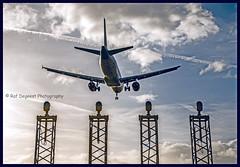 The Landing (Raf Degeest Photography) Tags: brusselsairport zaventem steenokkerzeel l25 planes