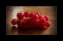 Grosellas (Piagor) Tags: grosellas frutosdelbosque fruits red bodegon macro olympusem5markii olympus30mmf35macro
