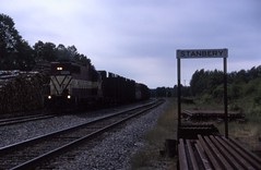 The local at Stanberry (ujka4) Tags: wisconsincentral wc wcl stanberry wisconsin wi pulpwood stationsign gp35m 4002