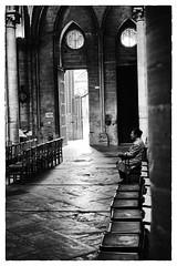 Fidèle dans une Cathédrale (M.G6) Tags: noiretbl noretblanc blacknwhite blackandwhite cathedral bayeux church église zombie prayer