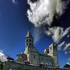 Saint-Nectaire, Auvergne, France (pom'.) Tags: panasonicdmctz30 august 2013 massifcentral auvergne auvergnerhônealpes puydedôme 63 saintnectaire france church sky issoire lesancy 12thcentury 100 200 300 400 5000