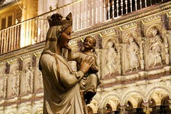 Smiles / Sonrisas (Ramon Oria) Tags: smiles sonrisas sonreir smile catheral toledo catedral xiv xiii century siglo statue spain choir virgin virgen whitevirgin white mary virgenblanca blanca niño madonna child cathedral