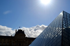 Reflections On The Louvre Pyramid [Paris - 27 March 2016] (Doc. Ing.) Tags: 2016 paris france louvre museedulouvre glass piramyd architecture building modern reflection sunshine