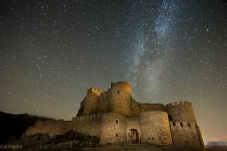 Vía Láctea sobre el Castillo de Aunqueospese