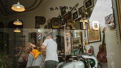 Barbearia, Porto (Danograves) Tags: porto portugal street photography canon eos 5dmk2 5dmkii 28mm f28