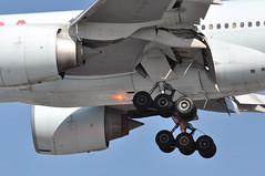 AC0850 YYC-LHR (A380spotter) Tags: approach landing arrival finals shortfinals threshold undercarriage landinggear maingear strobe beacon belly boeing 777 300er cfiur ship735 aircanada aca ac ac0850 yyclhr runway27r 27r london heathrow egll lhr