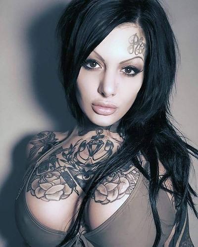 heat tattooed girl tattoo girls tattooedgirl inkedgirl