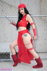 Elektra Natchios cosplay (The Doppelganger) Tags: elektra elektranatchios marvelcomics cosplay cosplayer sexycosplay legs nycc nycc2017 newyorkcomiccon