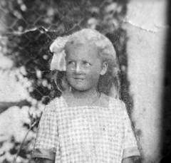Looking back in the years (Ken-Zan) Tags: girl vintage scanned bw kenzan ljunghav