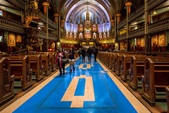 On sunday we go to church (zilverbat.) Tags: canada church religie bild image innercity zilverbat canon montreal interieur indoor tripadvisor travel timelife town tourist tourism tour architecture canadees icon icoon notredame cothic basiliek