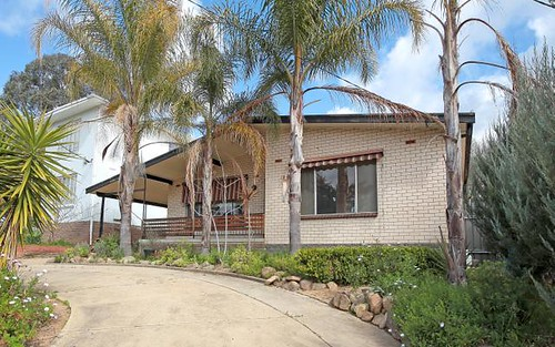 154 Lake Albert Road, Kooringal NSW