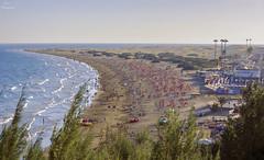 Playa del Inglés... (Leo ☮) Tags: playa beach otoño autumn gente people mar sea olas waves calor hot dunas dunes arena sand playadelinglés sur grancanaria islascanarias
