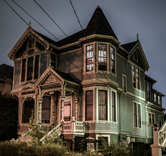 central avenue victorian (pbo31) Tags: bayarea california nikon d810 color october 2017 boury pbo31 fall alameda alamedacounty eastbay night dark halloween holiday architecture historic centralavenue haunted victorian panoramic large stitched panorama green bronzecoast orthodontist walnutstreet