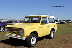 1969 Ford Bronco (Gerald (Wayne) Prout) Tags: 1969fordbronco 2017winterfloridaautofestlakeland lakelandlinderregionalairport cityoflakeland polkcounty florida usa stateofflorida prout geraldwayneprout canon canoneos60d eos 60d digital camera photographed photography display 1969 ford bronco 2017 winter autofest lakeland vehicle truck 4x4 linder regional airport polk county carshow carlisleauctions carlisle auction antique historical