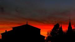 Siluetas (alfonsocarlospalencia) Tags: segovia siluetas atardecer naranja negro gris luz crepúsculo alcázar árboles recuerdos nostalgia silencio nubes cielo lenguaje infancia color amarillo