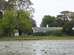 002 24-09-17 COTTAGE ON ISLAND ON STRANGFORD LOUGH (PAUL H BURNS) Tags: strangfordlough strangfordisland