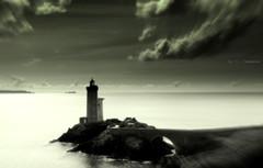 Le  phare   ( Petit Minou ) (Eric DOLLET - Ici et ailleurs) Tags: ericdollet bretagne finistère phares nb aoi elitegalleryaoi bestcapturesaoi aoi3levels