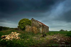 THE OLD BARN....A48, Nr CARDIFF. (IMAGES OF WALES.... (TIMWOOD)) Tags: wales welsh cymru south bridgend southerndown ogmore by sea cenarth water coast town village white horse laleston buttercup field old mill barn sunset