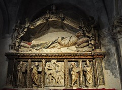 Autel de Saint Anastase (1448), Georges le Dalmate (v. 1440-1475), cathédrale St Domnius,  Split, comitat de Split-Dalmatie, Croatie. (byb64) Tags: split spalato splitskodalmatinskažupanija splitdalmatie dalmatie dalmatia dalmatien dalmacia dalmazia croatie hrvatska europe europa eu ue ville ciudad citta town city stadt dioclétien iiie 3th rome roma empireromain romanempire cathédrale cathedral catedrala dom duomo autel xve 15th quattrocento saintanastase georgesledalmate giorgiodasebenico jurajdalmatinac tombeau grave