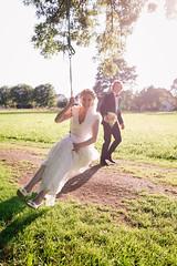 (zauselocke) Tags: weddingphotographerinmunich wedding bride groom couple braut brautpaar brautkleid schaukel sonne bräutigam fun eos6d sigma35mm14 sigmaart