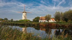 Moulin à Damme (YᗩSᗰIᘉᗴ HᗴᘉS +8 500 000 thx❀) Tags: damme bruges belgium belgique sonyrx10m3 sony reflets reflexion réflection reflection water waterscape windmill moulin landscape hensyasmine