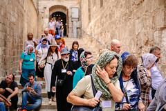Pilgrims (Nuuttipukki) Tags: jerusalem reise travel pilgrims pilger pilgerreise christ jesus grabeskirche chrsitanity christian street candid israel 50mm fullframe
