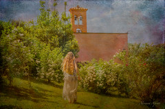 8 maggio 2015, Roma, Roseto Comunale (adrianaaprati) Tags: beauty tenderness douceur romantic girl femininity outdoor garden roses rose church texture textured painting plants walking trees flowers hair